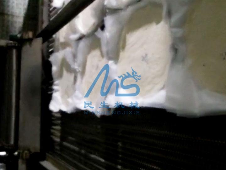 濮阳手抓饼速冻隧道生产线客户现场